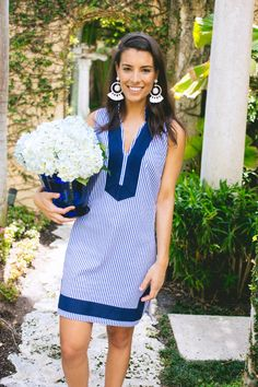 A striped tunic dress matches hydrangeas perfectly.