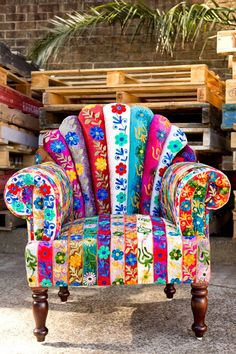 Colorful reading chair. ❣Julianne McPeters❣ no pin limits