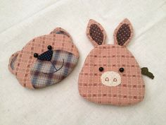 Quilting animals purses, pig rabbit and bear. Fabric Japanese.