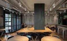 La interiorista Isabel López Vilalta y su equipo han realizado el diseño de una de las 30 tiendas de Ulloa Óptico, ubicada en la madrileña calle Serrano