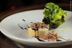 Café Journal (jantar)    Lulinhas recheadas de arroz vermelho com castanha de cajú, Bouquet de folhas e redução de balsâmico e mel