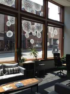 Dissipate: Drawings on Walls and Glass - Clint Fulkerson Window Mural, Window Signs, Window Decals, Window Markers, Glass Printing, Wall Drawing, Chalk Markers, Shop Window Displays, Public Art