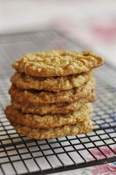 The perfect Go To cookie recipe - Oatmeal Cookies from my Great Aunt.   Old family recipes are the best.  @yourhomebasedmom.com  #cookies, #recipes,#oatmeal