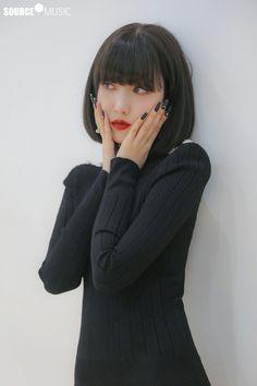 Gfriend Album, Sinb Gfriend, Gfriend Sowon, Walpurgis Night, G Friend, Girl Photos, South Korean Girls, Pretty Outfits, Kpop Girls