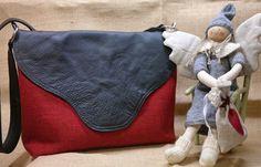 Christmas Bags, Messenger Bag, Satchel, Quilts, Baggers, Quilt Sets, Log Cabin Quilts, Crossbody Bag, Quilting