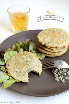 IMG_0118 - copie Crepes, Vegetarian Recipes, Cooking Recipes, Healthy Recipes, Plat Vegan, Going Vegan, Healthy Drinks, Food To Make, Breakfast Recipes