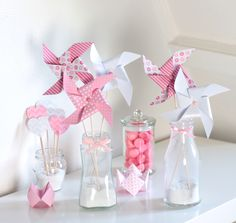 6 moulins à vent, coloris rose et blanc : Accessoires de maison par latelierdesconfettis Fete Marie, Party Flags, Paper Magic, Welcome Baby, Pinwheels, 1st Birthday Parties, Baby Shower Themes, Holidays And Events, Communion
