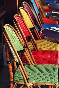 Simple, natural and artistic — lilyadoreparis: Paris, détails… Parisian Cafe, French Cafe, Class Design, Lawn Chairs, Foto Art, Take A Seat, World Of Color, Cafe Restaurant, Interior Exterior