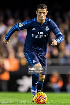 cristiano-ronaldo-of-real-madrid-cf-in-action-during-the-valencia-cf-picture-id503292610 (682×1024)