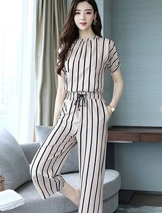 I have this pant Stylish Dress Designs, Stylish Dresses For Girls, Designs For Dresses, Casual Dresses, Casual Outfits, Cute Dresses, Teen Fashion Outfits, Fashion Pants, Look Fashion