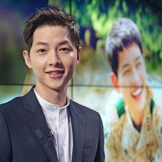 Song Joong-ki, the star of the hit KBS series 'Descendants of the Sun', has been appointed an promotional ambassador by the Korea Tourism Organization, the Ministry of Culture, Sports and Tourism said Friday. Daejeon, Korean Celebrities, Korean Actors, Korean Idols, Song Joong Ki Birthday, Soon Joong Ki, Mixed People, Sun Song, Korea Tourism