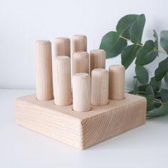 Wooden peg sorter - Natural