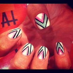 Graphic Point Nails