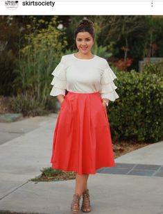 Red Skirts, Plaid Skirts, Midi Skirt, High Waisted Skirt, That Look, Dressing, How To Wear, Outfits, Fashion