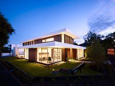 California House by InForm Design