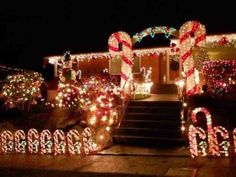 Best Christmas Light Displays, Best Christmas Lights, Christmas Yard Art, Xmas Lights, Modern Christmas, Holiday Lights, All Things Christmas, Beautiful Christmas, Christmas Diy