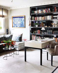 Escritório com sofá