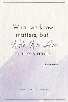 Need some mindset quotes? Check out these 16 quotes about strength in hard times from the one and only Brene Brown. Reading about quotes about strength and courage can shift your mindset raise your vibration and help you live your best life. Strength And Courage Quotes, Quotes About Strength In Hard Times, Brene Brown Quotes, Inspirational Verses, Meaningful Quotes, Social Work Quotes, Vulnerability Quotes, Wave Quotes, Self Empowerment