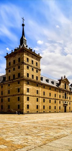 Royal Monastery of San Lorenzo de El Escorial near Madrid, Spain | 24 Reasons Why Spain Must Be on Your Bucket List. Amazing no. #10