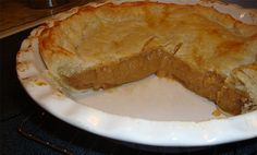 Voici la fameuse recette de tarte au sucre à mémére Beaulieu qui est la meilleur et un pure délice. Pie Recipes, Dessert Recipes, Cooking Recipes, Fall Desserts, Delicious Desserts, Gluten Free Pie, Coconut Desserts, Canadian Food, Cake & Co