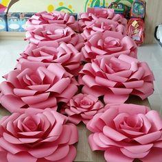 rosas gigantes de papel - Pesquisa Google                                                                                                                                                                                 Mais