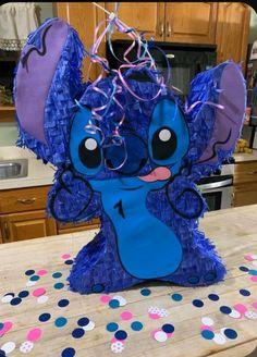 Birthday Pinata, Birthday Party Centerpieces, Disney Birthday, 10th Birthday, Lilo And Stitch Cake, Lelo And Stitch, 21st Bday Ideas, Birthday Ideas, Stitch And Angel