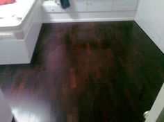 Wenge wood parquet floor living room  פרקט עץ ונגה לסלון  יורם פרקט מכירה והתקנה  טל: 050-9911998  http://yoramparket.coi.co.il/