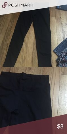Fitted leggings In new condition. Very comfortable and good material.. not see through. Pants Leggings