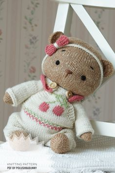 Knitted Teddy Bear Clothes Pattern #knitting #pattern #teddy #bear #doll #clothes #handmade #diy Knitting Dolls Free Patterns, Knitted Dolls Free, Teddy Bear Knitting Pattern, Knitted Teddy Bear, Crochet Toys, Teddy Bear Clothes, Teddy Bear Toys, Teddy Bears, Bear Doll