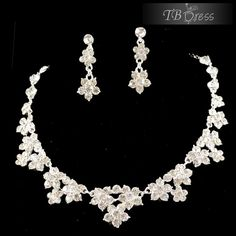 Elegant Flower Rhinestone And Alloy Wedding Jewelry Sets-(Including Necklace,earring) http://www.tbdress.com/product/Elegant-Flower-Rhinestone-And-Alloy-Wedding-Jewelry-Sets-Including-Necklace-Earring-10908686.html