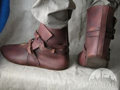 BROWN MEDIEVAL LEATHER SHOES