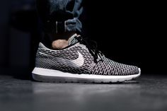 NIKE FLYKNIT ROSHERUN BLACK/WHITE-DARK GREY available at www.tint-footwear.com/nike-flyknit-rosherun-008 nike flyknit rosherun roshe roshes black and white grey sneaker sneakers footwear munich münchen