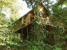 The Tree House on the North Fork River, a fantastic secluded Missouri cabin in the Ozarks