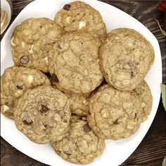 These cookies are so good and so addictive, you just might get a proposal! Even if you don't, you enjoy one of the best cookies ever! Candy Cookies, Cookie Desserts, Yummy Cookies, Just Desserts, Cookie Recipes, Delicious Desserts, Dessert Recipes, Making Cookies, Milk Cookies