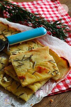 SCHIACCIATA DI PATATE - Schiacciata di patate veloce una ricetta semplice e velocissima.
