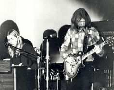 Duane and Gregg Allman Rock Around The Clock, Midnight Rider, The Jam Band, Allman Brothers, Rock And Roll Bands, Rockn Roll, Great Pic, Gibson Les Paul, Down South