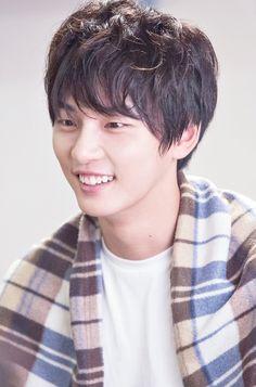 Asian Actors, Korean Actors, Yoon Shi Yoon, Lovely Smile, Cha Eun Woo, Kim Min, Friend Photos, Celebs, Celebrities
