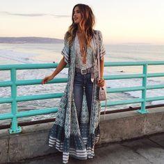 Boho long button down dress or Kimono floral print v-neck short sleeve Look Hippie Chic, Boho Chic, Estilo Hippie Chic, Look Boho, Hippie Boho, Dark Bohemian, Modern Hippie Style, Modern Boho, Boho Outfits