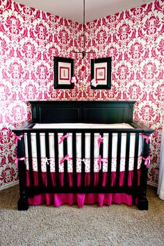 Love how she put the crib in the corner and where she put the frames