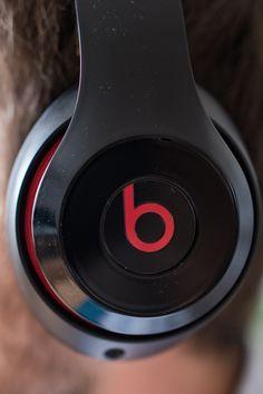 Beats Studio Wireless by Dr. Dre Side