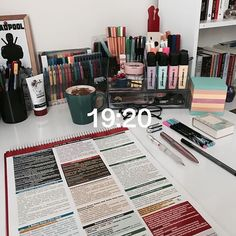 Image about inspiration in Study / Estudio 📚✏📋 by Denise - Studying Motivation Study Areas, Study Space, Study Room Decor, Study Organization, Bedroom Organization, Desk Inspiration, Study Hard, School Notes, Study Notes