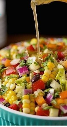 Chopped Salad Mexican Chopped Salad ~ Fresh, vibrantly colored and full of flavor!Mexican Chopped Salad ~ Fresh, vibrantly colored and full of flavor! Mexican Chopped Salad, Mexican Salads, Mexican Salad Recipes, Chopped Salads, Mexican Meals, Mexican Side Dishes, Vegetable Salad Recipes, Mexican Pizza, Mexican Food Appetizers