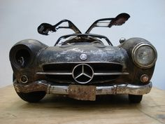 http://www.unikate-auktion.blogspot.com/2012/12/face-von-pascal-guido.html  Mercedes 300 SL