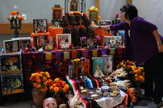 Alicia Diaz, an art therapist, decorates an altar with nichos she helped others make at the Oakland Museum of California. Mental Health Research, Mental Health Art, Mexican Art, Day Of The Dead, Art Therapy, Grief, Painting, Altars, Google Search