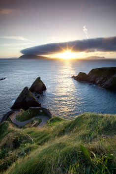 Dunquin Pier, County Kerry, Ireland. Scenic Ireland calendars at http://scenic-calendars.com/ireland-calendars.htm