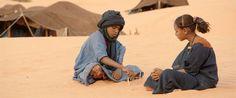 Odniedawna naekranach polskich kin gości wreszcie Timbuktu – jeden ztych filmów, którychnie mogłam odżałować tuż przedrozdaniem Oscarów. Timbuktu, konkurujące zIdą wkategorii filmów nieanglojęzycznych, jak wszyscy dobrze wiemy, Oscara nie dostało… Ioile przyznanie statuetki Idzie wobecności takich filmów jak Lewiatan czy Mandarynki już dawno wydawało mi się dość dziwnym posunięciem, topo seansie Timbuktu decyzji tejzupełnie już …