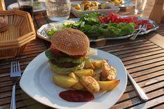 Disse burgerbøffer er nemme at lave, og så er de dyrevenlige, for de er baseret på kidneybønner.