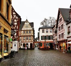 Mainz Germany, Travel And Leisure, Beautiful Places, Mansions, House Styles, Europe, Rhineland Palatinate, Alsace, Manor Houses