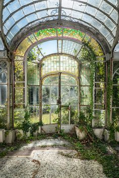 Victorian Greenhouses, Nature Aesthetic, Beautiful Architecture, Winter Garden, Abandoned Places, Abandoned Mansions, Belle Photo, Beautiful Places, Beautiful Pictures
