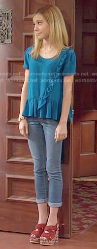 Avery's blue ruffled top on Dog with a Blog.  Outfit Details: http://wornontv.net/50991/ #DogwithaBlog